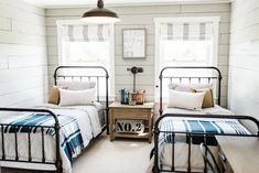 41 Classy Bedrooms Twin Beds Ideas For Small Rooms. Ever since one can remember, twin bed frames have been in homes around us. What does the term twin bed imply? Two single synonymous beds that are am. Cheap Home Decor, Twin Bed, Classy Bedroom, Bed Decor, Country Bedroom, Twin Beds For Boys, Kid Room Decor, Shared Bedroom, Vintage Boys Bedrooms