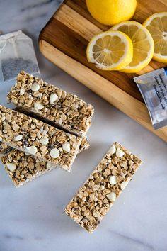Chewy Earl Grey Granola Bars // @HealthyDelish