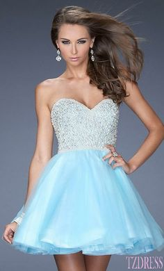 Short Prom Dress Short Prom Dresses. Love the sparkles on top! Homecoming dress