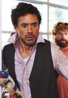 Still of Robert Downey Jr. and Zach Galifianakis in Due Date Zach Galifianakis Movies, Beau Gif, Robert Downey Jr., I Robert, Due Date, Romanogers, Iron Man Tony Stark, Chef D Oeuvre, Famous Couples