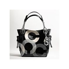 Some minor wear on the purse. inside is clean without stains. Feel free to ask for additional photos Coach Bags Coach Handbags Outlet, Coach Outlet, Cute Handbags, Purses And Handbags, Stylish Handbags, Cheap Coach Bags, Coach Tote, Cute Purses, Shoes