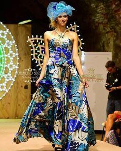 Eleganza del #madeinitaly! Sfilata @missartemodaitalia Abito: @cristinabertuccelli  Hairsyle: @michelacinini Gioielli: @rosannapasquini Foto: Michelangelo Bisconti  #cappello #cappelli #hat #instalike #instafun #instalife #fashion #womenfashion #madeinitaly #livorno #madeinitaly #moda #modadonna #fascinator #artigianato #modisteria #modella #modelle #fashionphoto #accessori #stile #style #l4l #concorso #modella #modelle #bellezza #model #girl