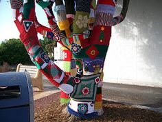 Hi from Tassie! Look what we spotted. A bit of yarn bombing in Ulverstone, Tasmania over the christmas perios. How wonderful! Yarn Bombing, Tasmania, Period, Gardens, Country, Christmas, Beautiful, Xmas, Rural Area