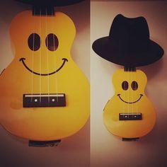 Say hello to my little friend.... It's Mr Uke!  #electricukulele #mahalo #ukulele #tonak #tonakhats #hat  @mahaloukuleles @tonak_hats