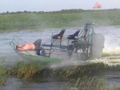 Living that southern life! No hands maa... Airboat living