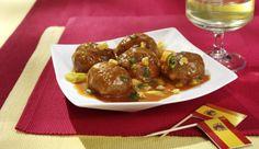 Hast du schon einmal Albondigas probiert? Nein? Dann wird es heute Zeit! Gerade mit Sherry-Tomaten-Sauce schmecken sie besonders gut.