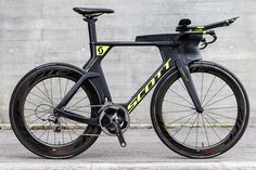 Scott Plasma 5 esigned to enable an aerodynamic fusion between rider and bike.