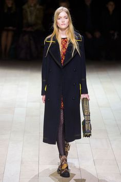 All the Looks From the Burberry Fall 2016 Ready-to-Wear Show