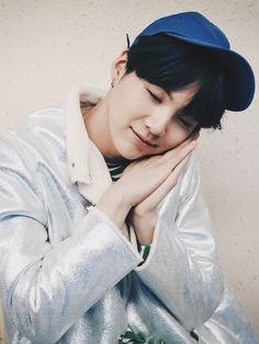 yoongi suga with his eyes closed: an actual concept Suga Swag, Jungkook Jeon, Min Yoongi Bts, Kim Taehyung, Bts Bangtan Boy, Daegu, Seokjin, Hoseok, Namjin