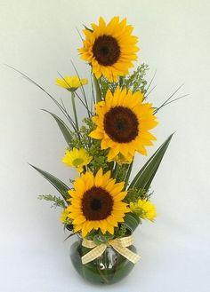 Beautiful Sunflower Arrangement Decor Ideas For Fall Valentine Flower Arrangements, Large Flower Arrangements, Ikebana Arrangements, Church Flowers, Funeral Flowers, Deco Floral, Arte Floral, Floral Centerpieces, Flower Boxes