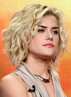 Fashion 100% Human Hair 10 Inches Medium Wavy Blonde Hair Lace Front Wig