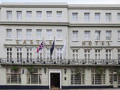 CASTLE HOTEL WINDSOR MGA: Plongez dans l'histoire, dans un lieu unique. Le Castel Hotel Windsor est un élégant édifice géorgien au passé…