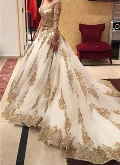 2016 A-line Wedding Dresses with Gold Appliques Sheer Long Sleeves Chapel Train Luxury Bridal Gowns