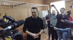 Первое интервью Навального после задержания на Тверской - YouTube