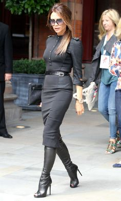 Chic and modern work outfit - to be paired with classic style shoes (Victoria Beckham leaving 'Viva Forever' press launch St. Pancras Renaissance Hotel in London - 26 Jun Work Fashion, Fashion Week, Fashion Trends, Fashion Black, Street Fashion, Mode Outfits, Fashion Outfits, Womens Fashion, Dress Fashion
