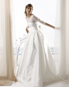 A few Beautiful Wedding Dress styles from CCCW Creative Partner, Le Spose di Gio! Also, some great information below about the Le Spose di Gio Story. Fairy Wedding Dress, Dream Wedding Dresses, Bridal Dresses, Pretty Dresses, Beautiful Dresses, Beautiful Wedding Gowns, The Dress, Bridal Style, Boho Chic