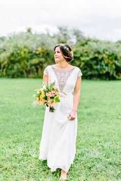 Reem Acra unique boho wedding dress: Photography: Kelly Dillon Photography - www.kellydillonphoto.com   Read More on SMP: http://www.stylemepretty.com/2016/08/24/colorful-boho-bride-stunning-reem-acra-dress/