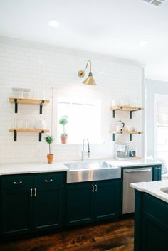 Fixer Upper | Season 3 Episode 12 | The 3 Little Pigs House Stainless Steel Sink