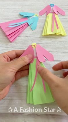 Instruções Origami, Origami And Kirigami, Paper Crafts Origami, Origami Stars, Diy Paper, Diy Crafts Hacks, Diy Crafts For Gifts, Diy Arts And Crafts, Paper Flowers Craft