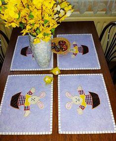 LubkaPatchwork / Veľkonočné prestieranie Kids Rugs, Quilts, Home Decor, Decoration Home, Kid Friendly Rugs, Room Decor, Quilt Sets, Log Cabin Quilts, Home Interior Design