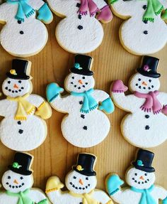 Snow dayyyyy! ❄️☃  @minimandakay [Snowman Cookie Cutter ] #cookiecutterkingdom