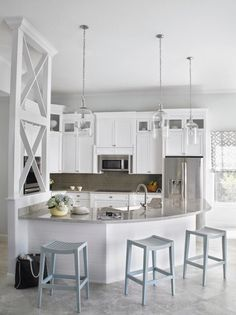 5 Curved Kitchen Counters That Go Beyond the Straight & Narrow — Kitchen Design (Kitchn Beautiful Kitchens, Cool Kitchens, White Kitchens, Remodeled Kitchens, Coastal Kitchens, Kitchen White, New Kitchen, Kitchen Decor, Kitchen Counters