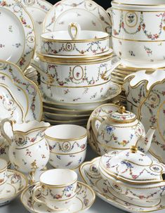 Vintage China 1781 Part of the Sèvres porcelain service that belonged to the Marquis Spinola di Luccoli -