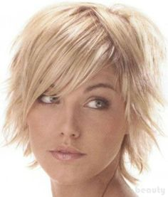 Short shag hairstyles side and center part. Great for fine hair and receding hairline. Short shag hairstyles side and center part. Great for fine hair and receding hairline. Funky Short Hair, Short Thin Hair, Short Hair With Layers, Short Hair Cuts, Short Hair Styles, Thick Hair, Short Blonde, Choppy Layers, Choppy Bobs