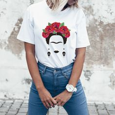 This Frida Kahlo shirt makes the perfect present for any feminist women you want to support, inspire and empower. Boho Outfits, Fashion Outfits, Outfits For Mexico, Feminist Shirt, Vegan Clothing, Work Attire, Shirt Outfit, Diy Clothes, Plus Size Outfits