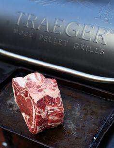 Smoked Prime Rib (recipe and video) Traeger cooking Traeger Recipes, Roast Recipes, Grilling Recipes, Game Recipes, Recipies, Vegetarian Grilling, Healthy Grilling, Rib Recipes, Barbecue Recipes