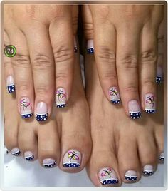 Gorgeous 40 French Nails With Flowers - isishweshwe Pedicure Designs, Pedicure Nail Art, Toe Nail Designs, Toe Nail Art, Pretty Toe Nails, Cute Toe Nails, Pretty Nail Art, French Nails, Us Nails