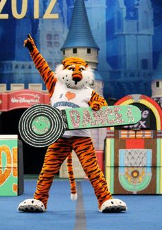 AUBIE....love!     For Great Sports Stories and Audio Podcasts, Visit our Blog at www.RollTideWarEagle.com