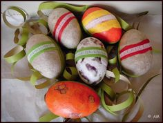 Ostereier aus Papierresten