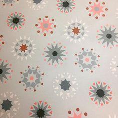 Neues Geschenkpapier frisch vom Druck #stefaniekrauss #wrappingpaper #stars #patterndesign #pastel #design #colorlove #geschenkpapierliebe