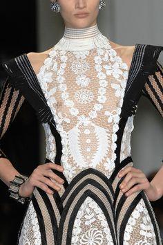 birdcagewalk:    foreverinhautecouture:Jean Paul Gaultier Spring 2009 Couture