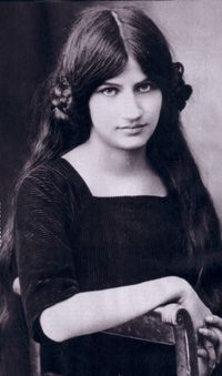 Jeanne Hébuterne... frequent subject and common-law wife of the artist Amedeo Modigliani