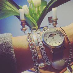Heutiger Christbaum-Behang ️  #accessories #accessory #armcandies #armcandy #bracelet #Hamburg #hamburgliebe #instafashion #instainspo #jewellery #tiffany #uhr #watch #watches #watchesofinstagram