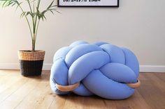 (L) Light Blue Floor Knot Cushion