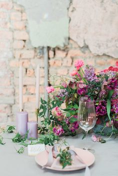 Industrial Wedding Shoot in Dublin with Serious Romantic Vibes ⋆ Ruffled Spring Wedding Flowers, Floral Wedding, Wedding Shoot, Wedding Blog, Wedding Ideas, Wedding Images, Wedding Designs, Getting Married In California, Spring Wedding Inspiration