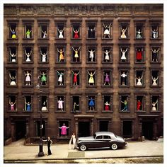 By Ormond Gigli, Girls in the Windows, New York, 1960. Courtesy of Staley-Wise Gallery, New York.