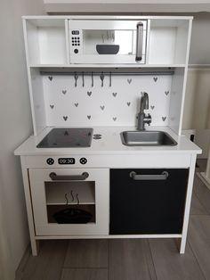 Ikea Kids Kitchen, Mud Kitchen, Kitchen Decor, Ikea Savedal, Duktig, Play Corner, Diy Bedroom Decor, Home Decor, Home Goods
