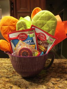 Quick and Easy Thank-You Gifts for Classroom Volunteers   Scholastic.com