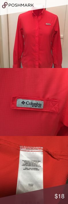 Columbia snap front shirt Columbia snap front shirt with side zip pocket. Great layer for hiking, only worn a few times. Columbia Tops Button Down Shirts