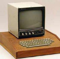 Mmm, wooden computer. Vintage Apple I computer (only 200 were made)