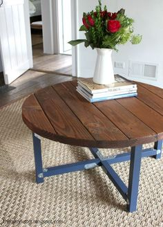 Wood Coffee Table Plans Free - How to Build A Round Coffee Table. Diy Wood and Metal Table Awesome Tree Trunk Coffee Table Diy Fresh.build Your Own Beautiful Reclaimed Wood Coffee Table with Free Plans. Rustic Round Dining Table, Round Farmhouse Table, Round Wood Coffee Table, Coffee Table Plans, Reclaimed Wood Dining Table, Diy Dining Table, Outdoor Coffee Tables, Cool Coffee Tables, Patio Table