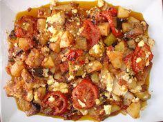 Υλικά 2 κολοκυθάκια κομμένα σε μεγάλους κύβους. 3 πατάτες κομμένες σε κύβους 2 κόκκινες και 1 πράσινη πιπεριά 1 μελιτζάνα μεγάλη ή 2 μικρές ...