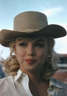 "Marilyn on the set of ""The Misfits"". Photo by Eve Arnold, 1960."