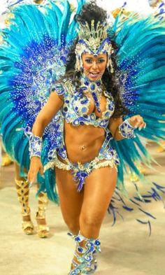 Front view.   Raissa Oliveira Beija-Flor | Rainha de bateria Raíssa Oliveira durante o desfile da campeã Beija ...