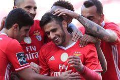 Benfica reforça liderança com goleada