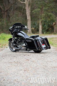2014 Harley Street Glide: Bolt-On Badness | Baggers
